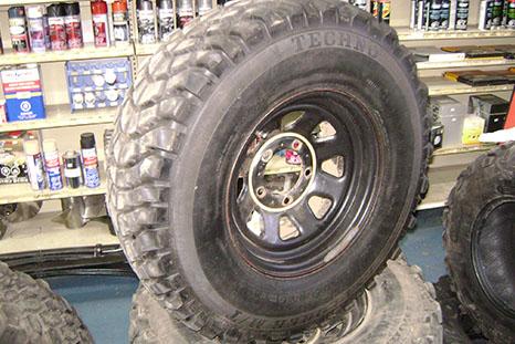 Pose et vente de pneu été et hiver d'automobile et 4x4 à Saint-eustache - Pièces d'autos & De 4x4 Grande-Côte