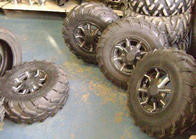 Pose et vente de pneu de 4x4 à Saint-Eustache - Pièces autos & De 4x4 Grande-Côte