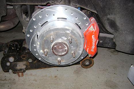 Vente et installation de frein, transmission, suspension et tuyaux d'échappement pour auto et 4x4 à Saint-eustache - Pièces d'autos & De 4x4 Grande-Côte